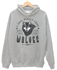 Sudadera really loves wolves