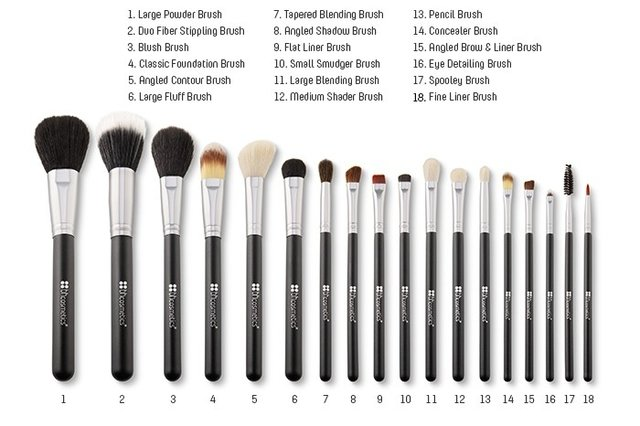 BH Cosmetics - Studio Pro Brush Set 18 pieces - comprar online