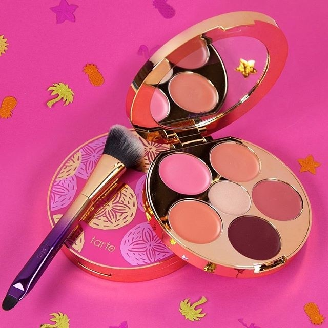 Tarte - Rainforest of the Sea Kiss and Blush Palette - comprar online