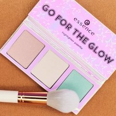 Essence - Go for the Glow Highlighter Palette- The Cools