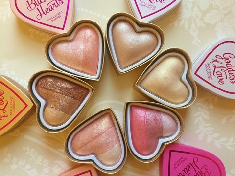 I ♡ Makeup - Blushing Hearts