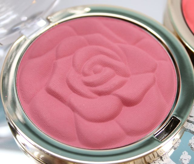 Milani - Powder Blush - comprar online