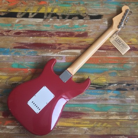 American Vintage ´65 Stratocaster Dakota Red - Lead Music Private Stock