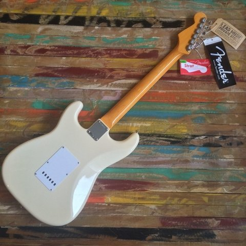 American Vintage´62 Stratocaster Olympic White - Lead Music Private Stock