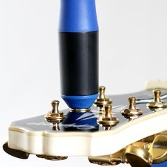 MusicNomad - GRIP Winder - Rubber Lined, Dual Bearing Peg Winder - MN221 - comprar online