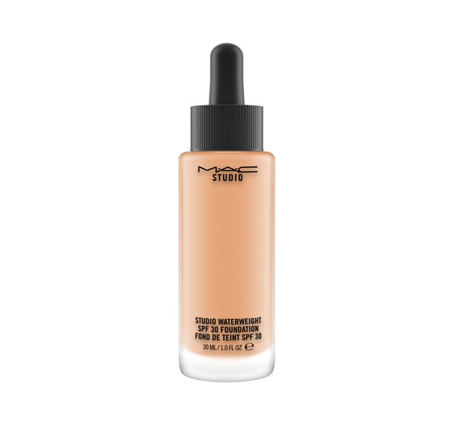 Mac Studio Waterweight SPF 30 Foundation NC40