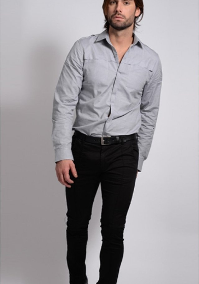Camisa Gris De Vestir Double Pocket - Relax Multimarcas
