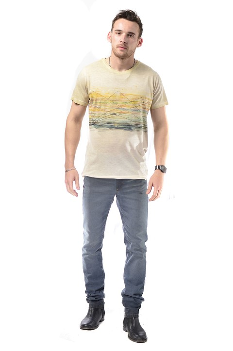 Remera beige maltinto estampada sublimada cuello redondo - RX