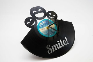 Reloj disco de vinilo retro smile