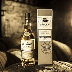 Whisky The Glenlivet Nadurra Peated Cask Finish 48% Escoces. - comprar online