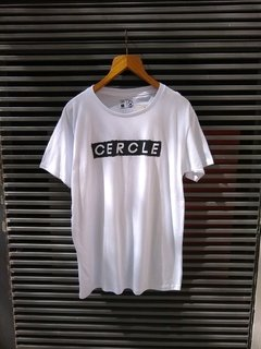 Remera cercle blanca letters - comprar online