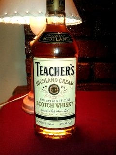 SCOTCH WHISKY TEACHER'S HIGHLAND CREAM ESCOCES AUTENTICO IMPORTADO - www.tiendalapibaonline.com.ar