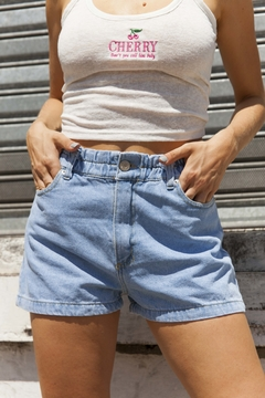 SHORT KWN MOM DENIM REISS en internet