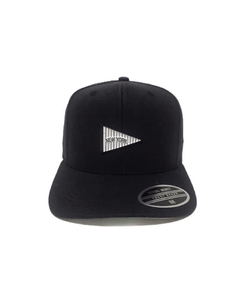 Boné snapback baseball young money aplique metal na internet