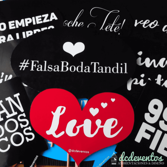 50 Carteles con frases para Photobooth en internet