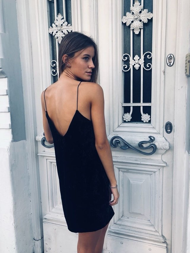 Vestido Plain Black en internet