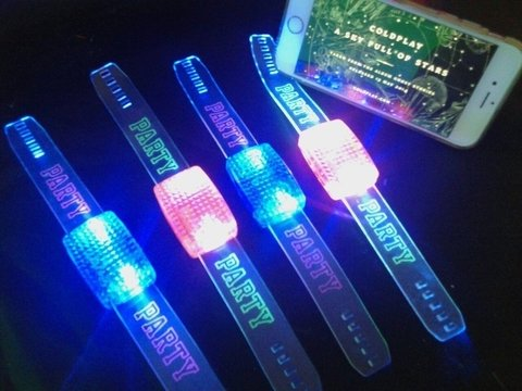 PULSERA AUDIORITMICA LED