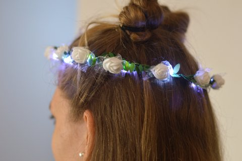 CORONA FLORES TIARA SUPER LED