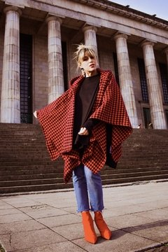 NEW IN!! Poncho LUISA_ rojo & negro