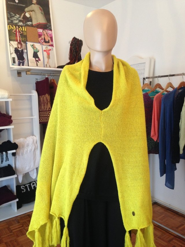 Poncho Queen Bee sin bordado