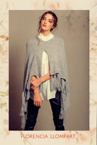 Poncho Queen Bee sin bordado - Florencia Llompart