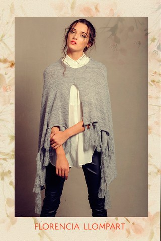 Poncho Hearts - Florencia Llompart
