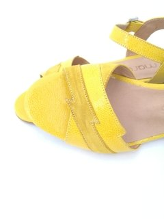 Polinesia Yellow en internet