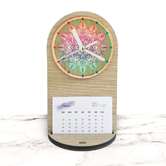 "RELOJ MESA Y PARED - Wood in time calendar ""Happy Mandala"" - comprar online"