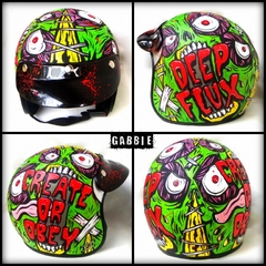 Casco CREATE or OBEY en internet