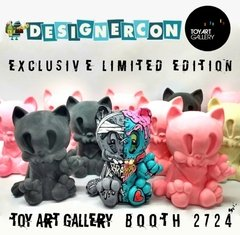 Riot Cat Art Toy - comprar online