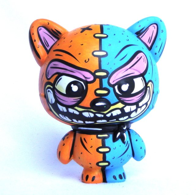 Zombie Cat Art Toy - comprar online