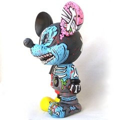 Zombie Half Mickey Art Toy en internet