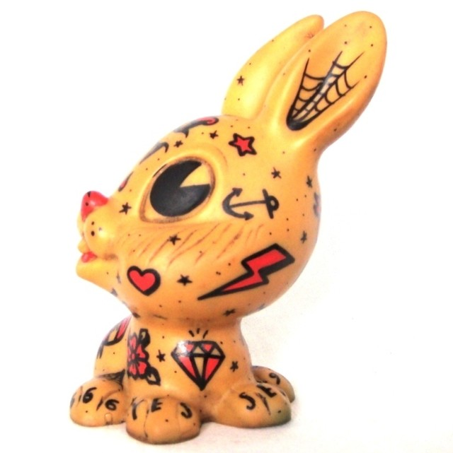 Bunny Tattoo Vintage Art Toy en internet