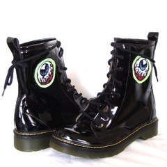 Eye Am Watching! Combat Boots - tienda online
