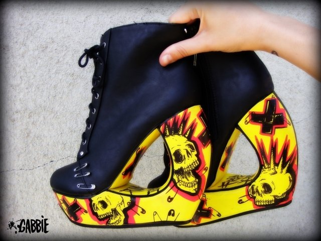 Yellow Punx Curved Booties - tienda online