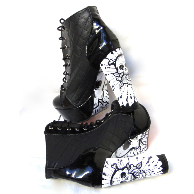 Skulls N' Roses Booties - Gabbie Custom Art