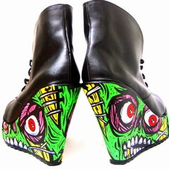 Pretty Creepy Booties - comprar online