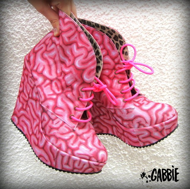 Use Your Brain! Booties - comprar online