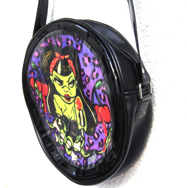 Cartera Zombie Pin Up en internet