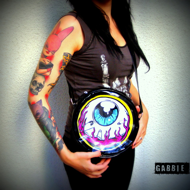 Cartera Eye Am Watching! (Borde Amarillo) - Gabbie Custom Art