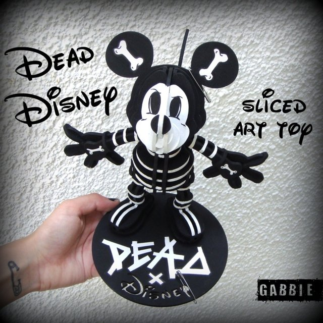 Dead Disney -Mickey Sliced Art Toy - comprar online