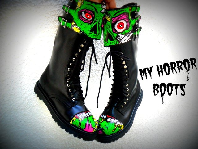 My Horror Boots en internet