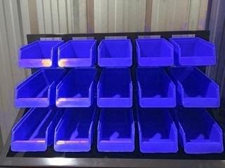 Gavetero Metálico con 15 gavetas plásticas.