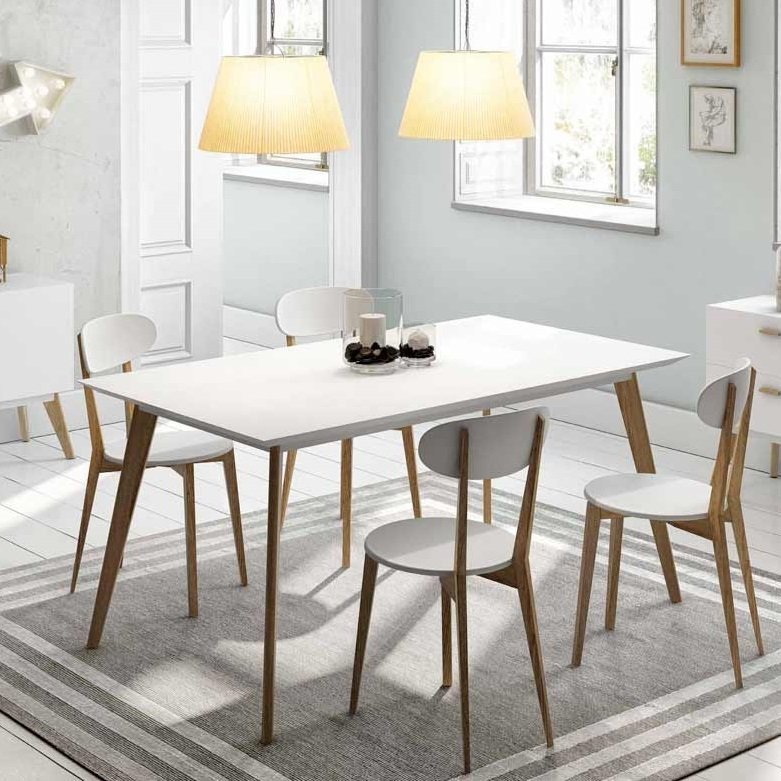Mesa nordica base madera tapa blanca con 4 sillas nordicas for Sillas comedor nordicas