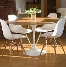 Mesa Tulip 1.40 Tapa Madera con 6 sillas Dsw By Charles Eames