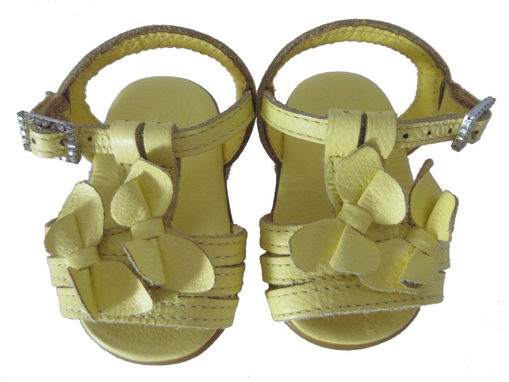379f3f194 10681 - Infantil Feminino Sandália bebê amarela em couro Pampili. »