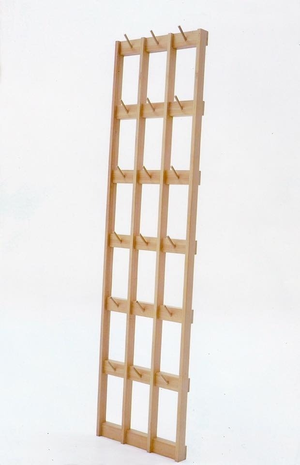 Percheros de madera comprar en madera maciza for Percheros en madera