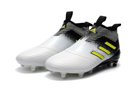 Adidas ACE 17+ PureControl FG White and Black na internet