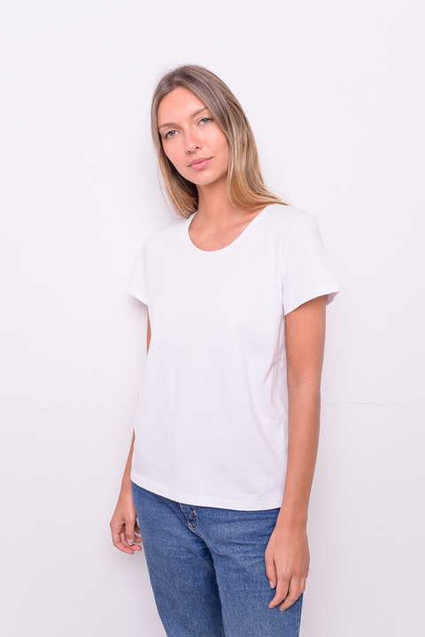 Remera Basic blanca en internet
