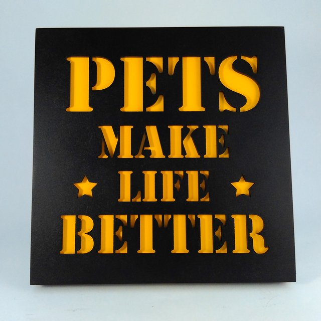 Quadro MDF Pets Make Life Better na internet